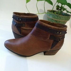 Clarks Brown Ankle Boots Size 8